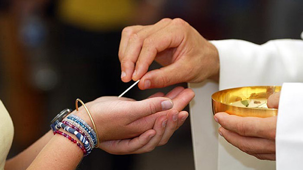 Fisrt communion and eucharist