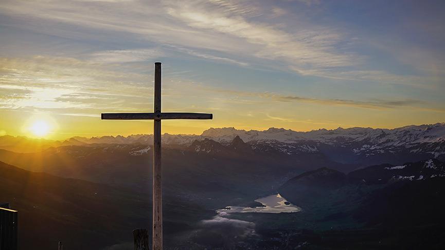 Plus de 3800  discours, sermons ou homélies du Pape François - portail Croix.jpgWEB